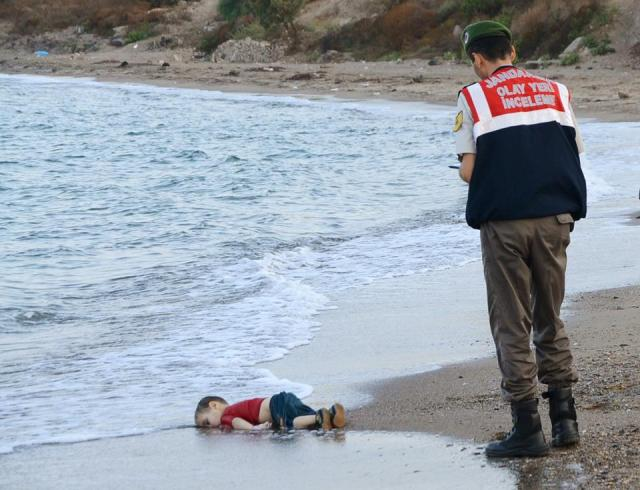 Picture of Aylan Al-Kudi's Lifeless Body Washed Ashore on the Beach in Turkey