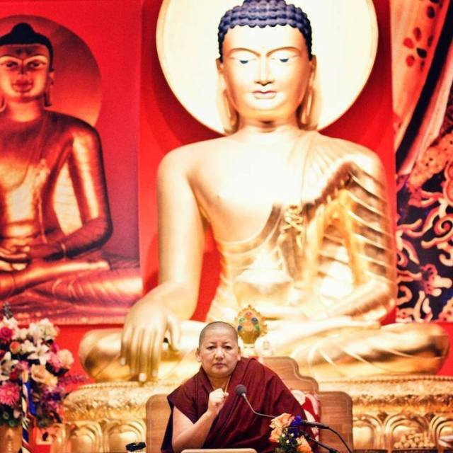 Picture of Khandro Rinpoche